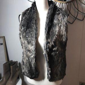 Maurices Faux Fur Sweater Vest XL